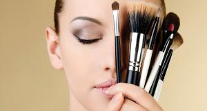 Makeup - Royal Retreat Beauty and spa salon in dubai