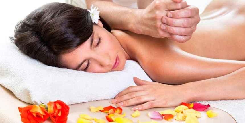 Valentine-gift-for-her-Dubai-spa